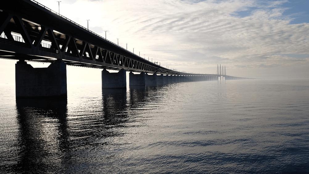 Strækningskontrol på bro i Danmark